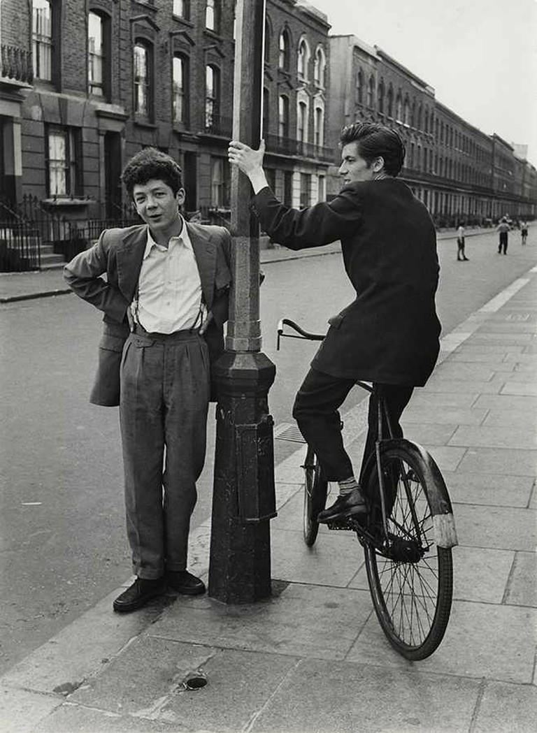 Roger Mayne, Southam Street, North Kensington, London, 1956