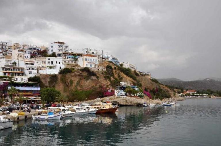 Picturesque harbor in Crete | © Moonik/WikiCommons