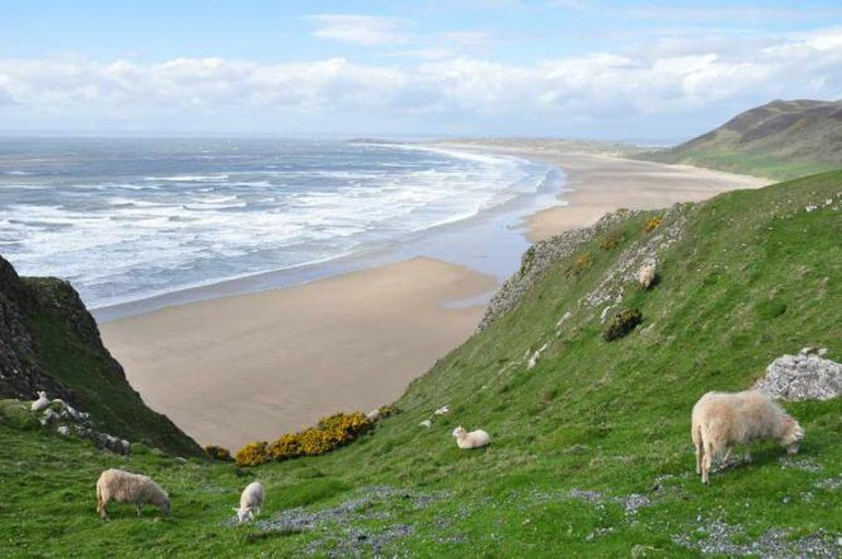 Rhossili Beach |© Michael Gwyther-Jones/ Flickr
