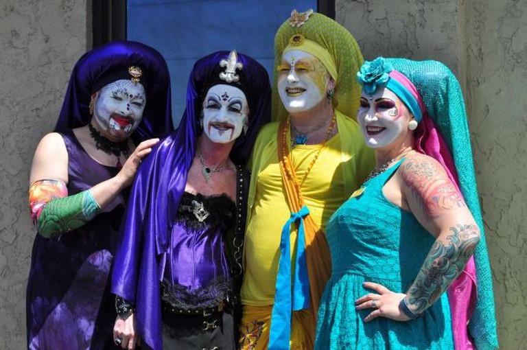 Sister at Fremont Solstice Parade (2) | © Joe Mabel/WikiCommons