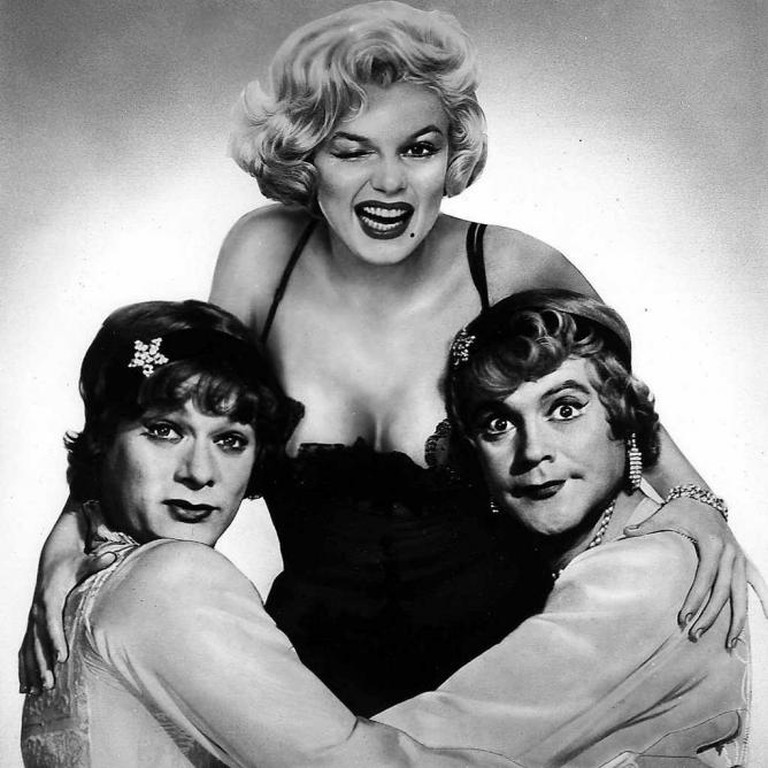 Monroe, Tony Curtis and Jack Lemmon in Some Like it Hot