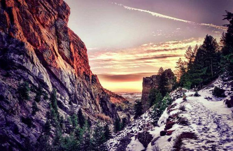 Eldorado Canyon sunrise |© Max and Dee Bernt/Flickr