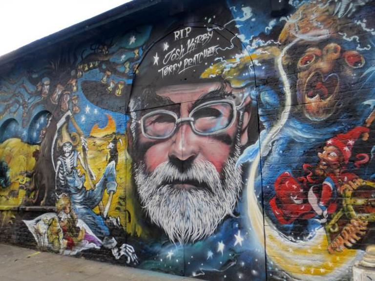 Terry Pratchett mural | © Graham C99/Flickr