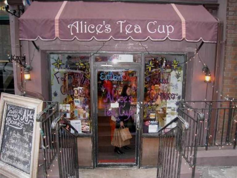 Alice's Tea Cup | © Steve Isaacs/Flickr