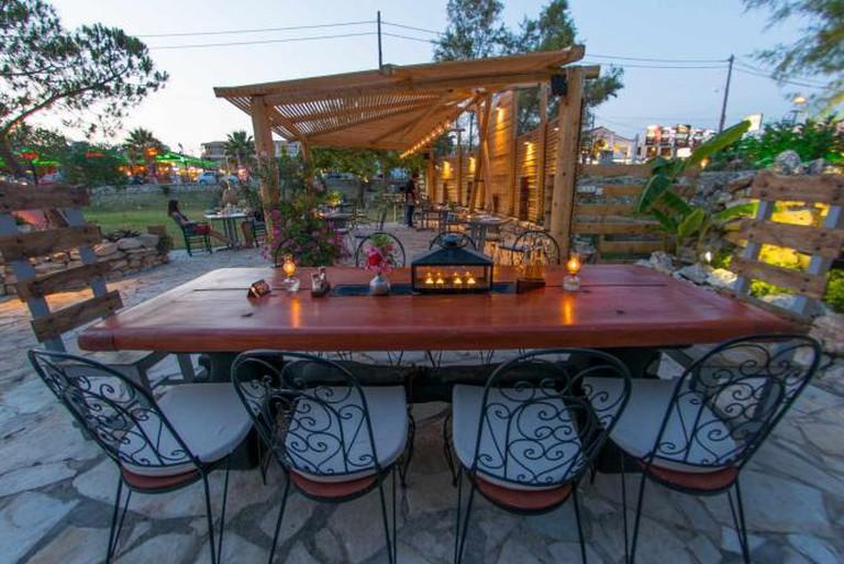 Table setting at Zakanthi | Courtesy of Zakanthi