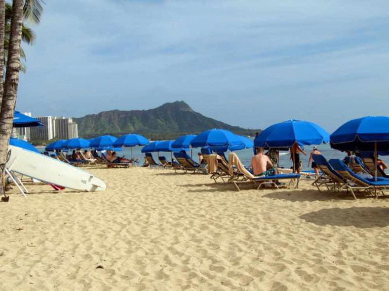 Blue Beach Umbrellas | ©daryl_mitchell/Flickr