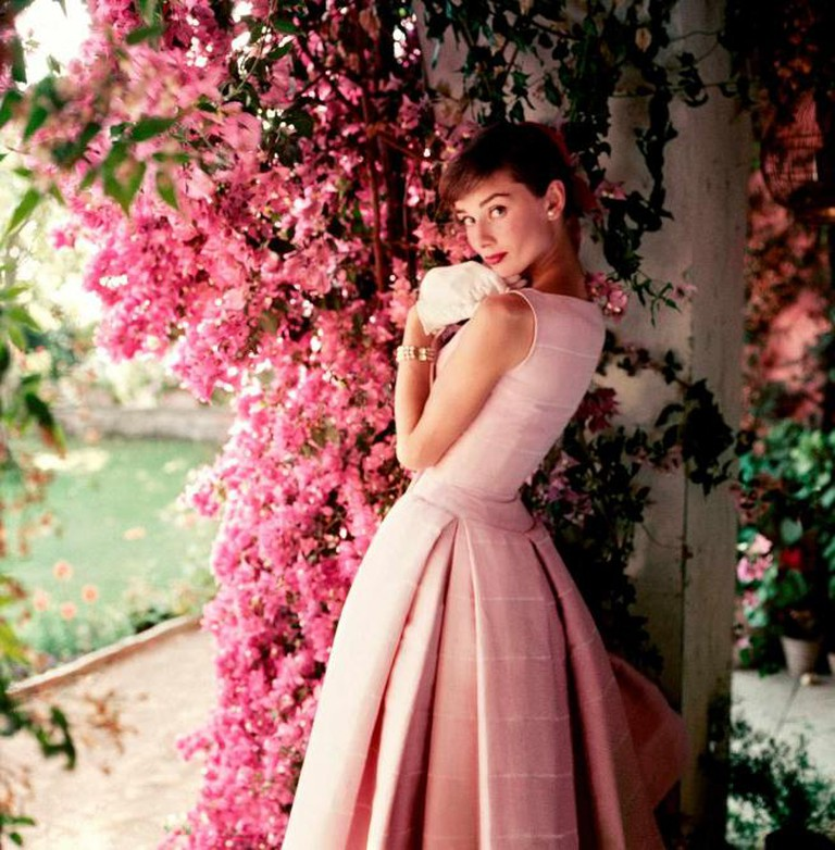 Audrey Hepburn photographed wearing Givenchy by Norman Parkinson, 1955 | © Norman Parkinson Ltd