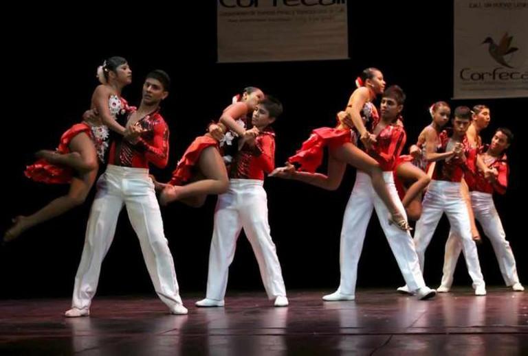 Latin Dancing | © gnuckx/Flickr
