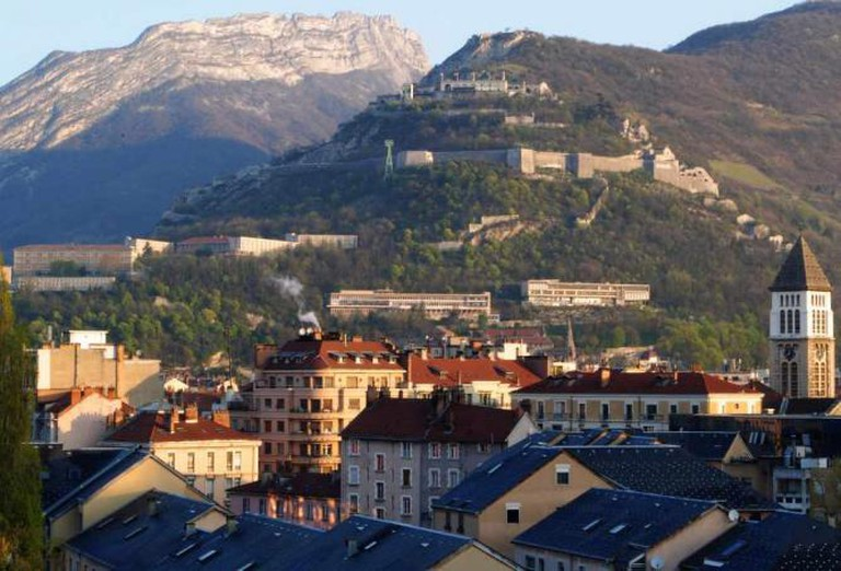 Grenoble's Bastille fortress, perched atop the mountainside | © Vinicius Pinheiro/Flickr