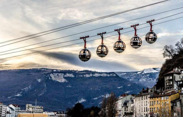 The famous pods of Grenoble's iconic cable car | © indicpeace/Flickr