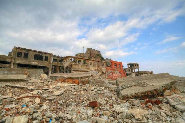 Decaying Buildings on Hashima Island | © Yasunari Nakamura/ Flickr