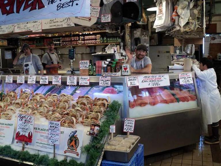 Pike Place Fish Market in Seattle   © MarmadukePercy/WikiCommons