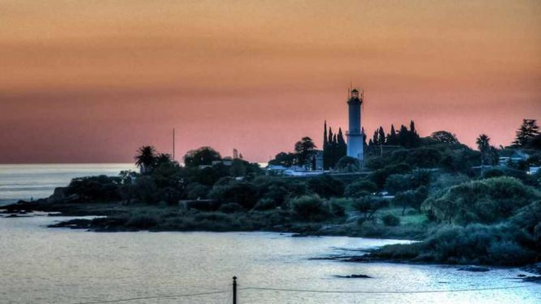 Faro de Colonia © Nico_/Flickr