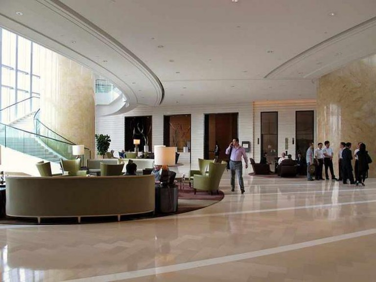 Lobby of Four Seasons Hotel © Wing1990hk/WikiCommons