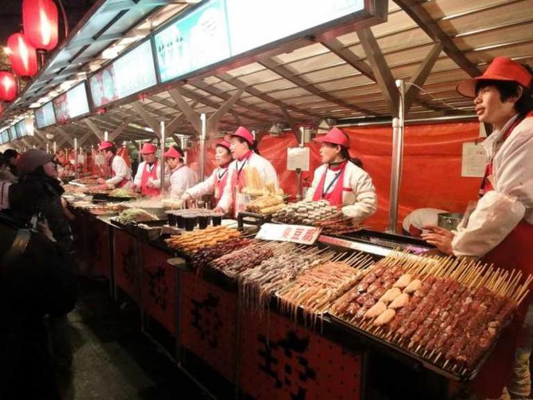 Wangfujing Snack Street © Steven Wong/Flickr