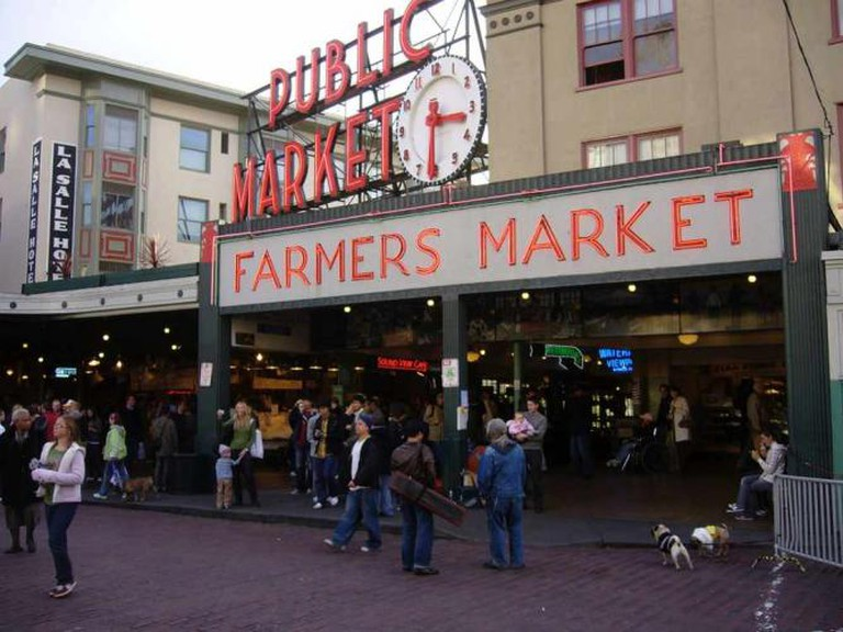 Pike Place Market | © bhenak/Flickr