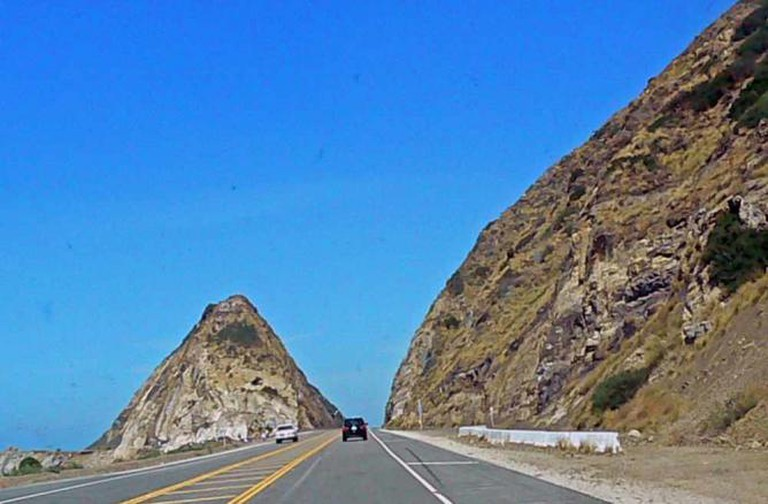 Sand Hill at PCH | © WikiCommons