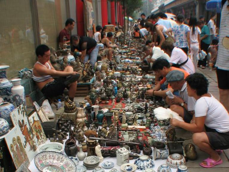 Panjiayuan Antique Market © Yu Ting Wong/Flickr
