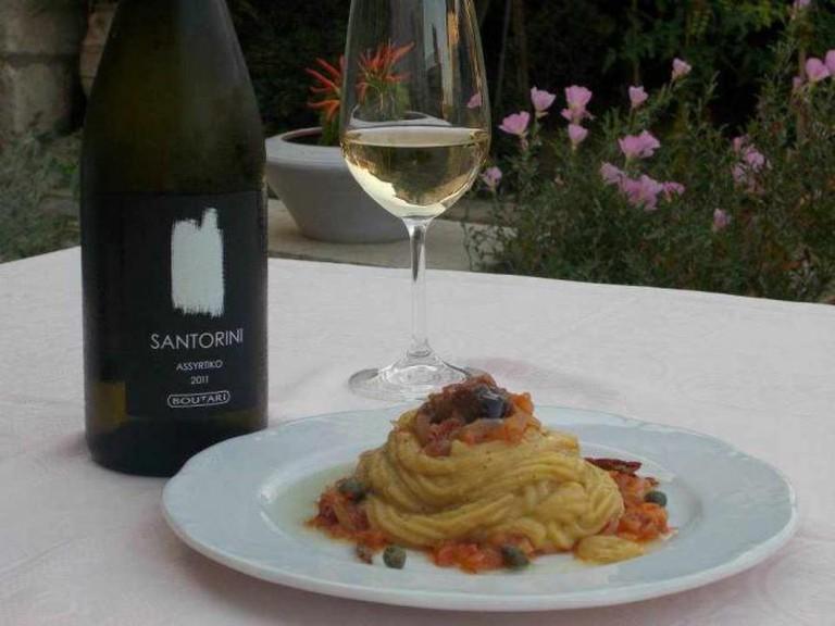Dinner and wine | Courtesy of Sousourada & Sgouros Skatzoxiros