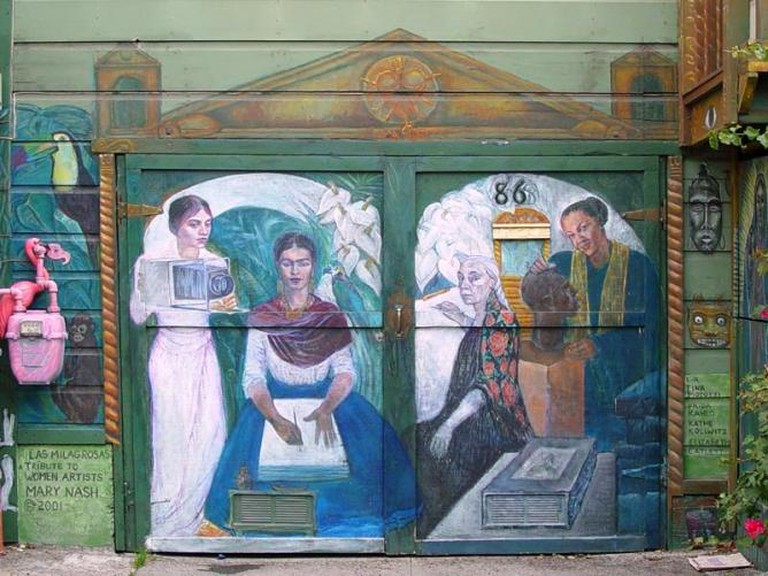 Mural: Las Milagrosas: Tribute to Women Artists, Mary Nash   © Franco Folini/Flickr