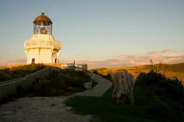 Manukau Heads Lighthouse © russellstreet/Flickr