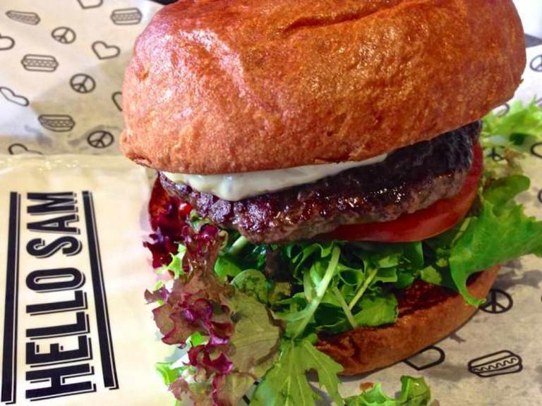 Beef Burger at HELLO SAM © Katherine Lim/Flickr