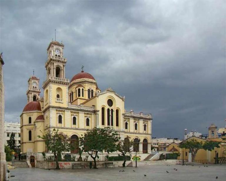 Saint Minas Cathedral | © Tango7174/WikiCommons