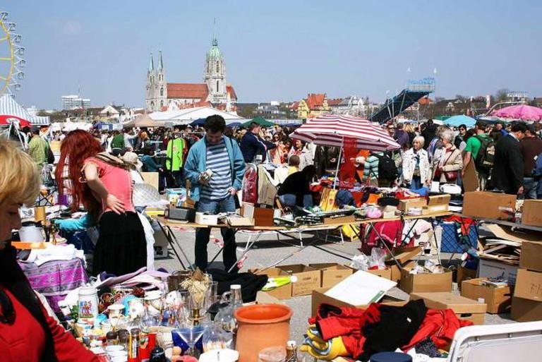 Riesen-Flohmarkt Theresienwiese | © Usien/WikiCommons
