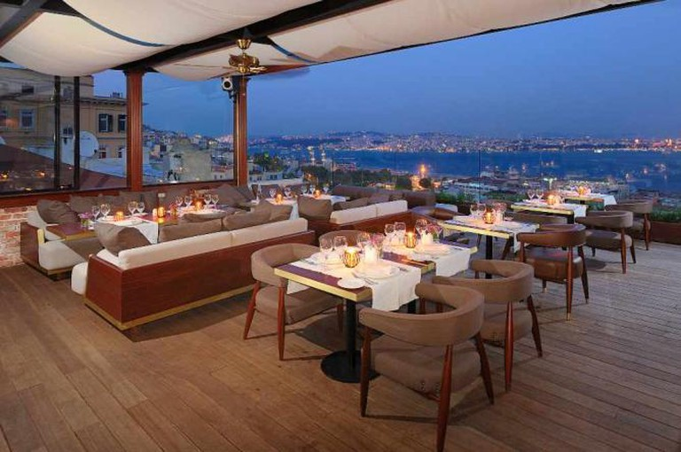 The Outdoor Terrace | Courtesy of Georges Hotel Galata
