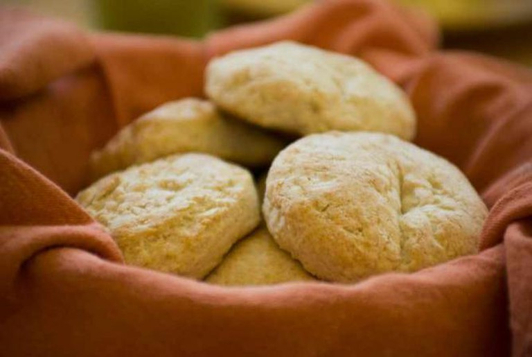 Fresh Baked Biscuits | © Pen Waggener/Flickr