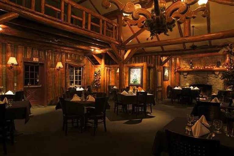 Antler's Inn Main Dining Room   ©LakeArrowhead.com