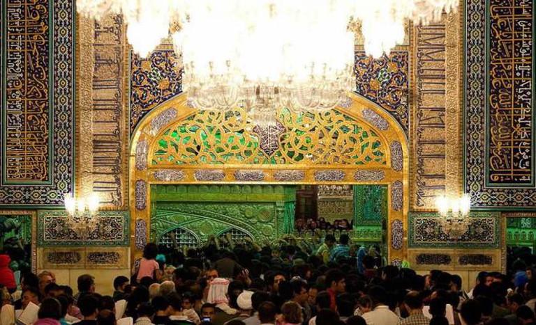 Entrance to the Holy Shrine  © Sonia Sevilla/Wikicommons