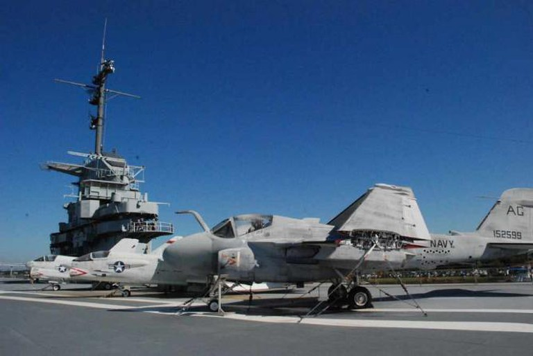 USS Yorktown Flight Deck   © Larry/Flickr