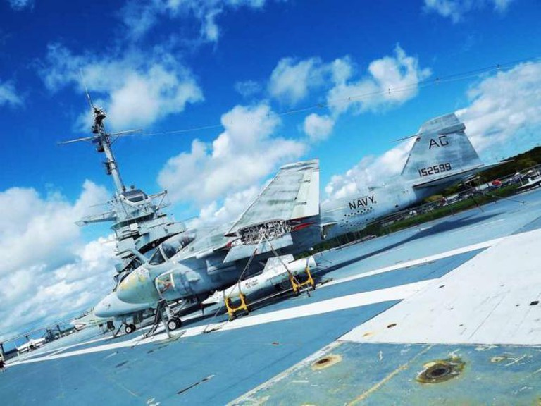 USS Yorktown   © ATOMIC Hot Links/Flickr