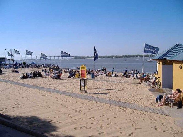 The beach in north-eastern Rosario | Ⓒ Pablo D. Flores/WikiCommons