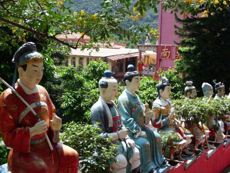 Buddhist Monastery in Sha Tin © Charlotte Powell/Flickr