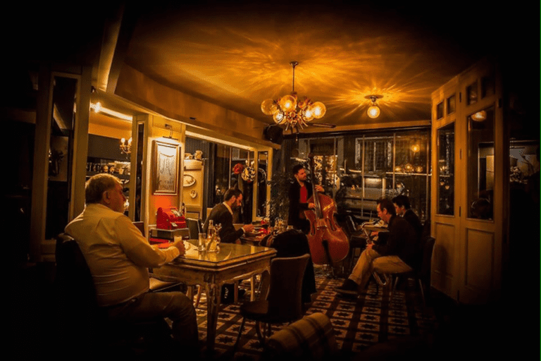 Jazz l Courtesy of Susam Cafe