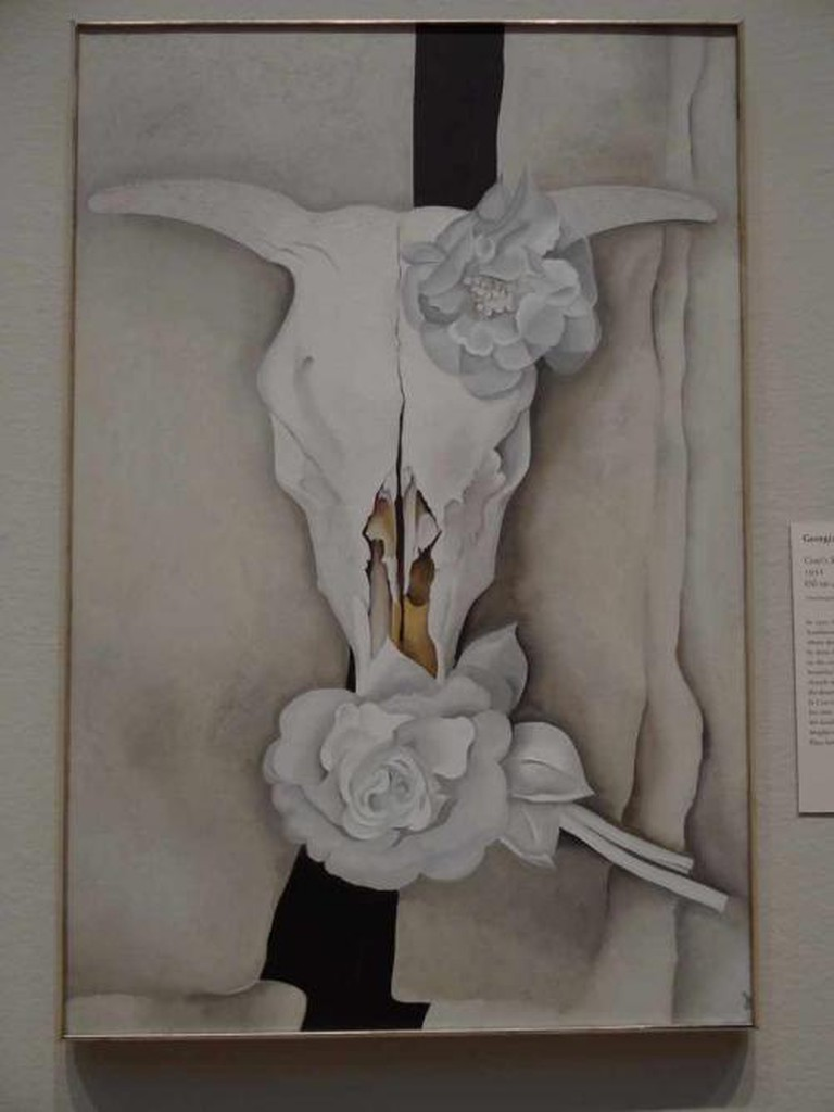 Cow's Skull with Calico Roses at the Art Institute of Chicago | © Esther Westerveld/Flickr