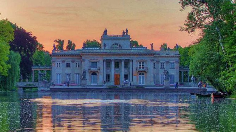 The Palace on the Water in the Royal Łazienki Park | © Rich Pick/Flickr