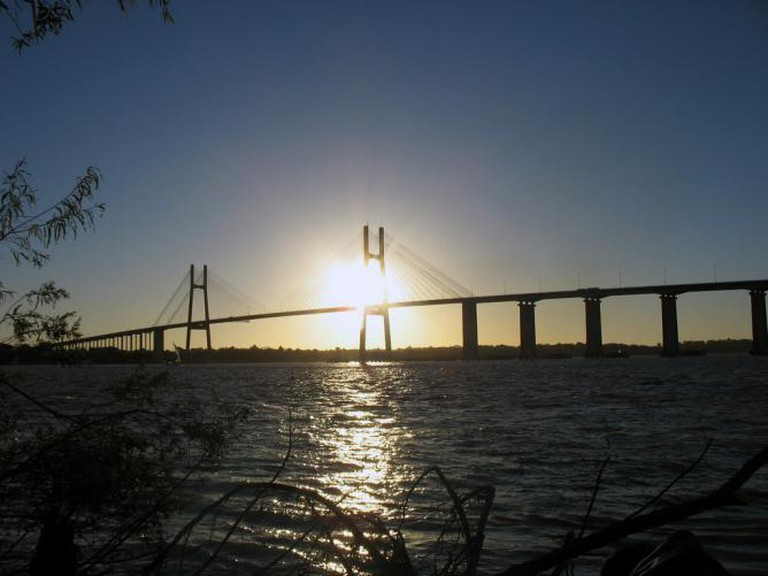 The Paraná river and Victoria bridge, Rosario Ⓒ Maximiliano Kolus/Flickr