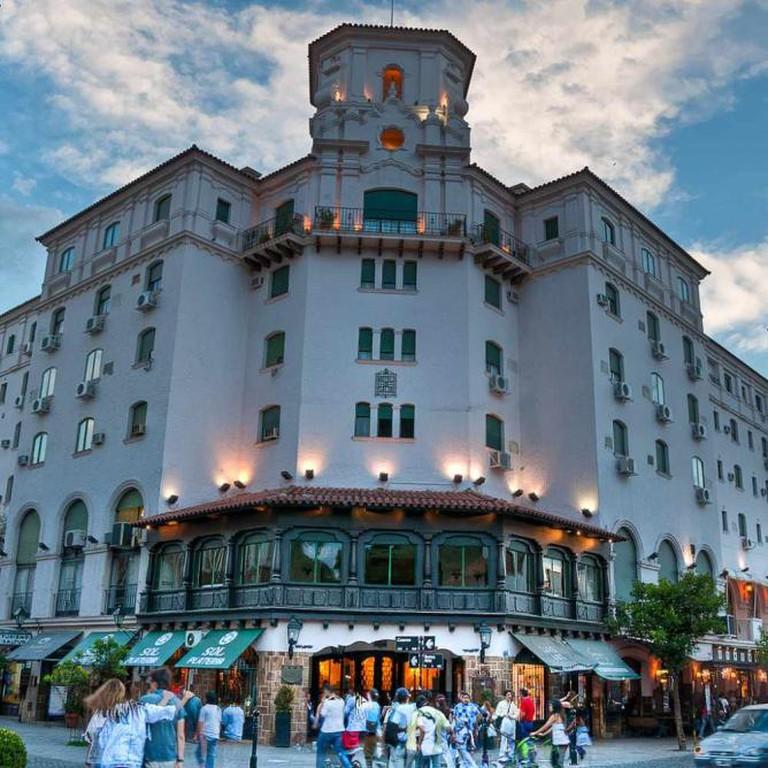 Hotel Salta Ⓒ Nico_/Flickr