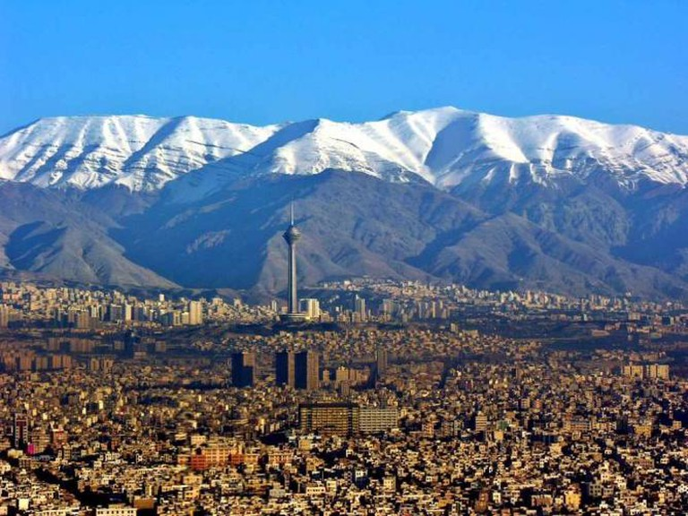 Milad Tower, Alborz Mountains | © Hansueli Krapf/Wikicommons