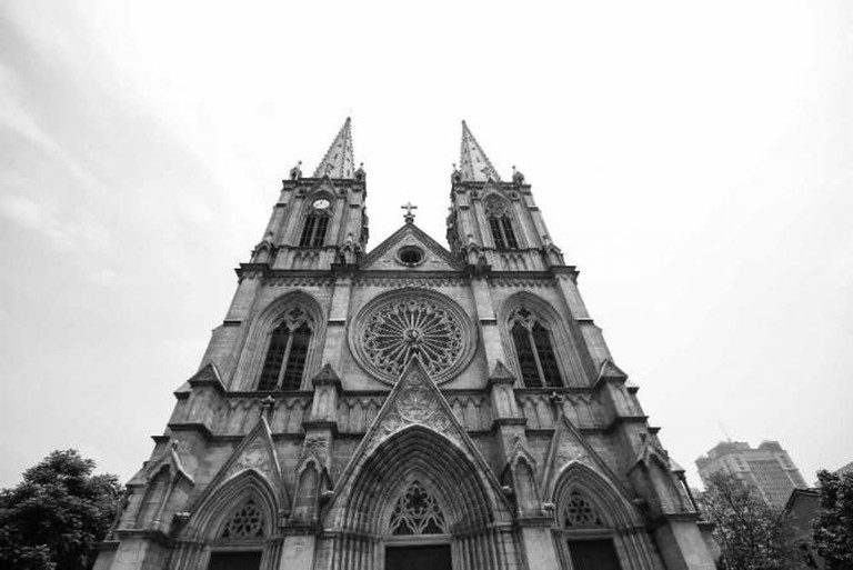 Sacred Heart Cathedral © Mark Meng/Flickr