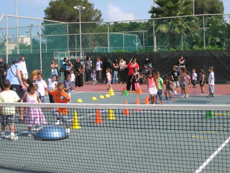 Kindergarten class at the Nussdorf – Mark Families Israel Tennis Center in Jaffa   © Courtesy Israel Tennis Centers