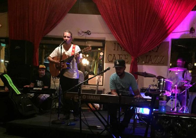 Musician Noah Jacobsen Performing at Industry Cafe & Jazz   ©Jasmine Ashoori