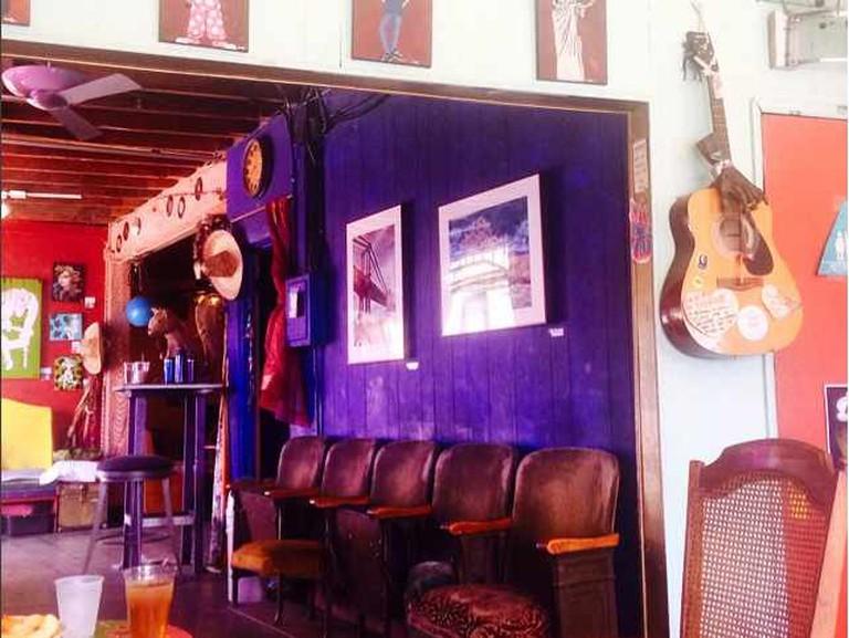 UnUrban Santa Monica Coffeehouse Open-Mic   © Shabnam Ferdowsi