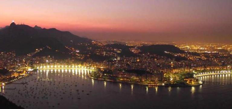 Sunset from Sugarloaf Mountain, Rio de Janeiro | © Rillke/WikiCommons