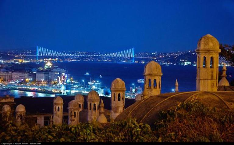 Istanbul by night | © Moyan Brenn/Flickr