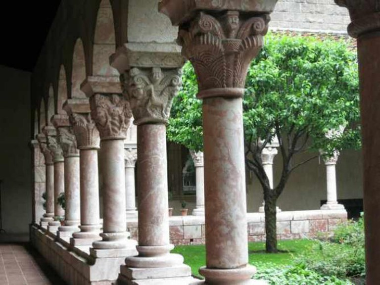Metropolitan Museum of Art Cloisters NYC | © Raymond Bucko, SJ/Flickr