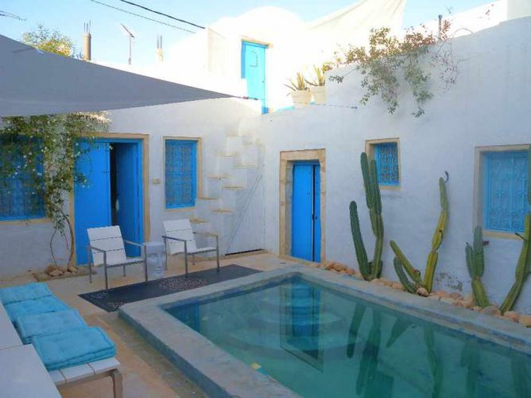 Traditional hotel in Djerba | © gildyck/Flickr
